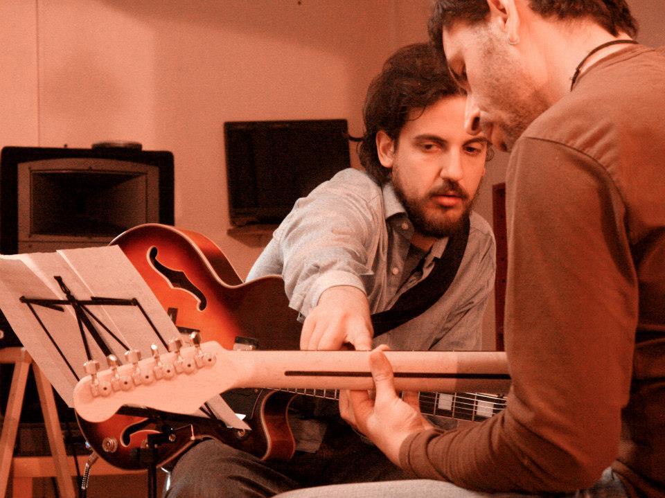 …grande prova da parte del nuovo insegnante di Violino; dajeee